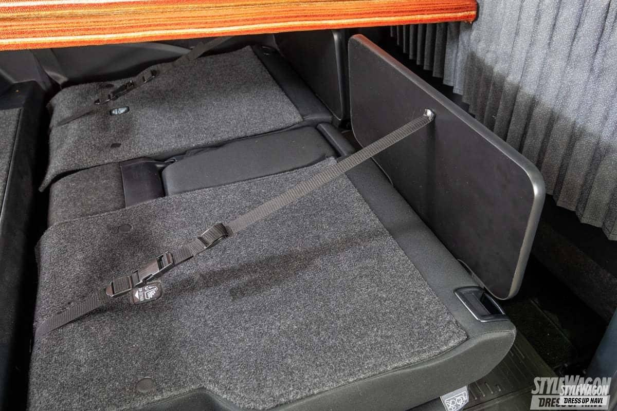 「荷室もしっかり使えて車中泊も楽々! シエンタファンベースの使い勝手を高めたMRバイブスは実用性もキャンパー性も格別! ライトキャンパースタイル2021」の1枚めの画像