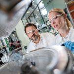 BASF:ポルシェと電気自動車用高性能リチウムイオン電池の開発で提携 - 写真①