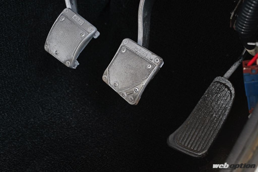 「「エンジンから内装までGT-R化したS30Zの衝撃!」これはサンマルの皮を被ったBCNR33だ!?」の16枚目の画像
