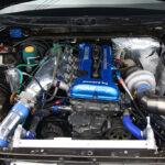 「C35ローレルの本格サーキット仕様はレアすぎる!」1240キロの軽量ボディに760馬力のSR20DETを搭載 -