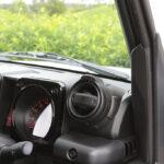 「ジムニー乗り感涙のパーツがついに登場!」車内のイメージを壊さないドリンクホルダー爆誕 - 4A9A9647
